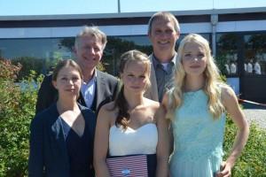 Fine und Gyde mit ihren Lehrern