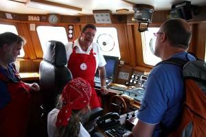 Den unteren Fahrstand erklärt Rettungsmann Rolf Pultz