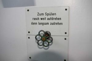 Schönes Ding: Altes Absperrventil für die Toilettenspülung. In den 50ern von Paul Bohn in Hansens Haus installiert.