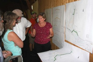 Ines Koslowski erklärt die Planung...