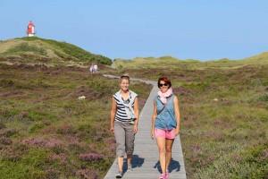 Erkunden die Insel... Andrea Gastager (re) u Andrea C. Bayer