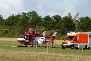 Vertrautes Bild... in rund 12 Minuten ist die Hilfe aus der Luft vor Ort...