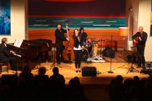 Julia Schilinski & Band erobern Amrum im Sturm