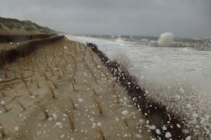 Di Uferschutzmaßnahmen musste an vielen Stellen deutlich leiden...