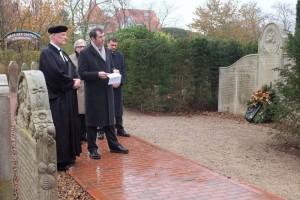 Nebels Bürgermeister Bernd Dell Missier richtete das Wort an die Gemeinde...