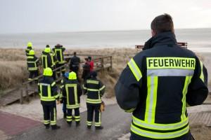 Die Freiwillige Feuerwehr verschafft sich einen Überblick...