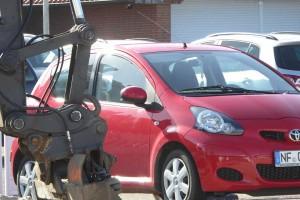 """Um einige geparkte Fahrzeuge musste """"rumgearbeitet"""" werden..."""