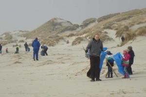 Im vergangenen Jahr machten sich die Sammler am Kniepsand Richtung Wittdün auf.
