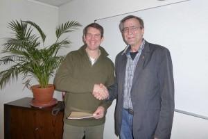 Bernd Dell-Missier als vereidigter Verbandsvorsteher... Gratulation von Norbert Gades.