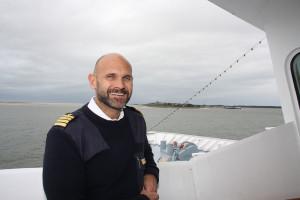 """Kapitän Carsten Gerke: """"Wir haben bessere Verhältnisse als gemeldet vorgefunden""""."""