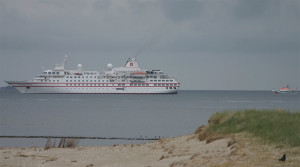 Die Hanseatic bei ihrem letzten Besuch vor Wittdün...
