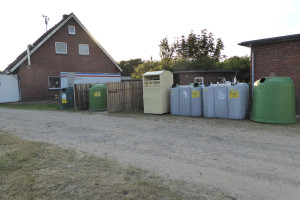Zusatzcontainer am Feuerwehrgerätehaus in Wittdün