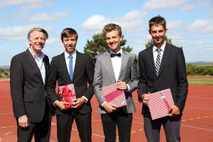 Die besten drei... Brandon Wiedemann, Vincent Ruth und  Nick Jürgensen mit Lehrer Stephan Schlichting