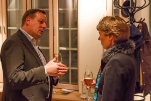 Chef der AmrumTouristik im intensiven Gespräch mit Museumsdirektorin Prof. Dr. Ulrike Wolff-Thomsen