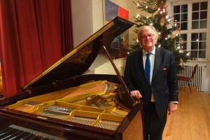 Ausnahmepianist Justus Frantz fühlt sich auf Amrum sichtlich wohl...