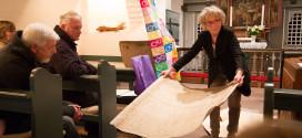 Künstlerin Guntrud Witt überreicht ihr Kunstwerk der St.Clemens Kirchen Gemeinde…