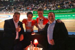 Olaf Raffel, Marc Hester, Mathias Krigbaum und Frank Timpe an der Bahn
