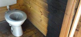 Brandstiftung?!? Hoher Sachschaden, aber der Brand in öffentlicher Toilette hätte jedoch noch weitaus schlimmer Enden können!