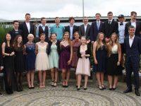 23 Schulabgängerinnen und Schulabgänger