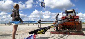 Sie wehen wieder am Strand von Nebel, die Kunstflaggen