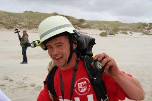 Am Strand: Auch Cornelius machte bei dem diesjährigen Amrumer Mukolauf als Atemschutzgruppe der Amrumer Feuerwehren mit...