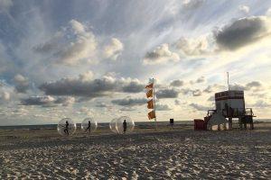 Strand, Weite, Wind und Wolkenzug Foto: Ralf Thomsen