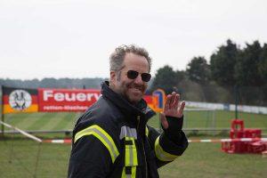 Thorsten Ertel beim Feuerwehr-Informationstag (Foto Kinka Tadsen)