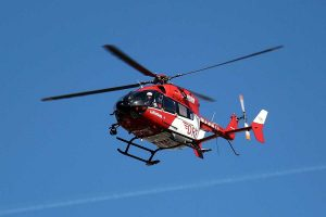 Dieser Hubschrauber vom Typ EC 145 wird ab Mitte November auch an der Rendsburger Station zum Einsatz kommen. (Symbolbild) Quelle: DRF Luftrettung_Michael Wünsche