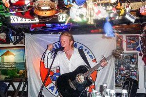 Sänger und Gitarrist Stephen Foley