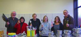 Volkshochschule spendiert neue Ausrüstung für die Schulküche