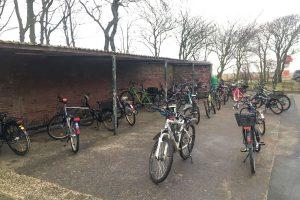 Die spärliche Anzahl an Fahrräder spiegelt die Gesamtsituation wider...