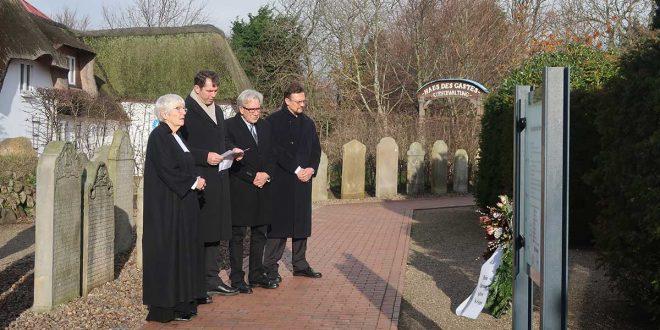 Gottesdienst zum Volkstrauertag und Ankündigung der Friedenswoche in der St.Clemens-Kirchengemeinde auf Amrum