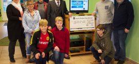 Ein großer Gewinn für das Amrumer Jugendzentrum von der Nord-Oststsee Sparkasse und RSH