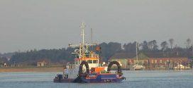 Speziell bei Niedrigwasser wurde es im Bereich des Amrumer Seezeichenhafens eng für die Berufsschifffahrt …