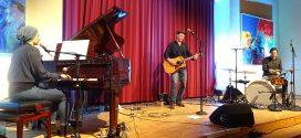 Hörenswert! – Mit Gerrit Hoss und Calum Graham begeistern zwei junge Musiker innerhalb weniger Tage das Amrumer Publikum!