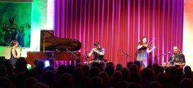 Die Band CARA spielte sich erneut in die Herzen des Amrumer Publikums …